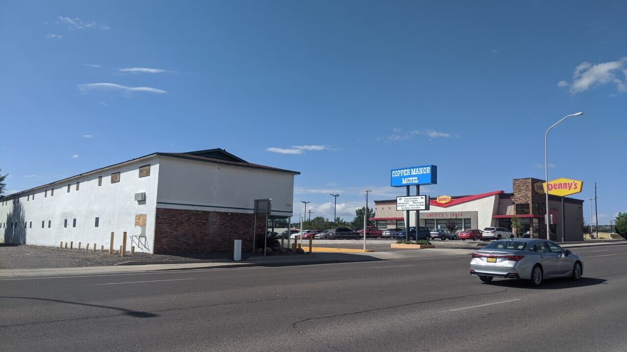 A view of Copper Manor Motel from across the street.